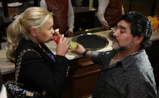 Dijego Maradona sa Veronikom Ohedom