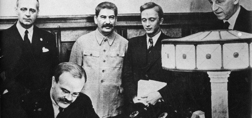 Czwarty rozbiór Polski. To tak Hitler i Stalin podzielili między siebie nasz kraj