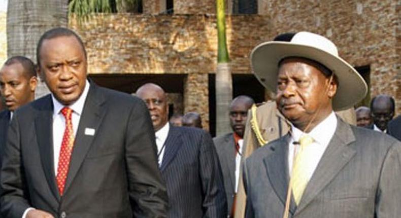 Uganda President Yoweri Museveni (right) and President Uhuru Kenyatta (left)