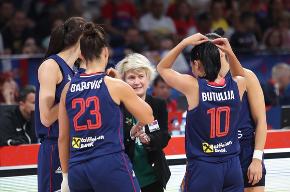 Selektorka Marina Maljković i naše košarkašice