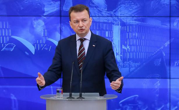 """Szef MSWiA Mariusz Błaszczak, pytany w TVN24 o tę wypowiedź, powiedział, że tych głosów """"nie słyszy na posiedzeniu Rady Ministrów"""""""