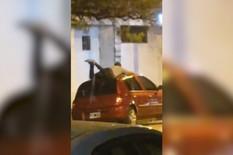 YT_covek_telom_stiti_auto_od_grada_vesti_blic_safe