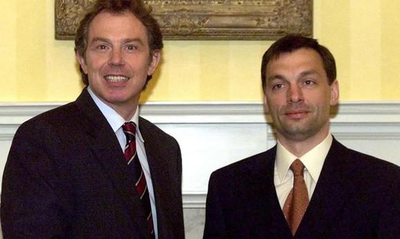 Toni Bler i Viktor Orban 1999, kada je Mađar još bio