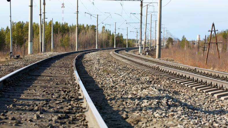 Mężczyzna został potrącony przez pociąg