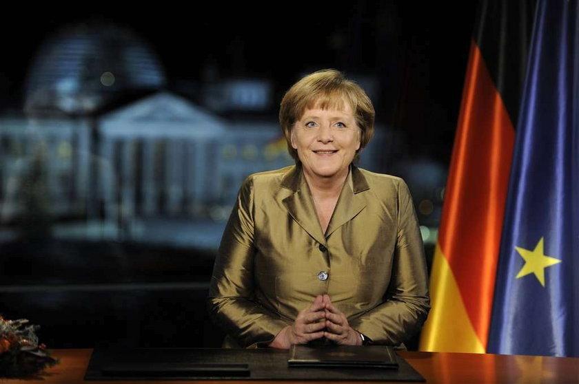 Polski pisarz o piersiach Merkel. Uważa, że są małe!?
