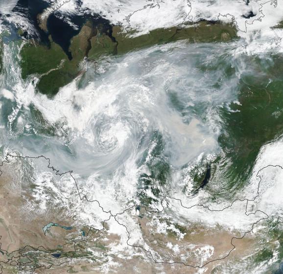 Dim iznad Sibira snimnljen 24. jula