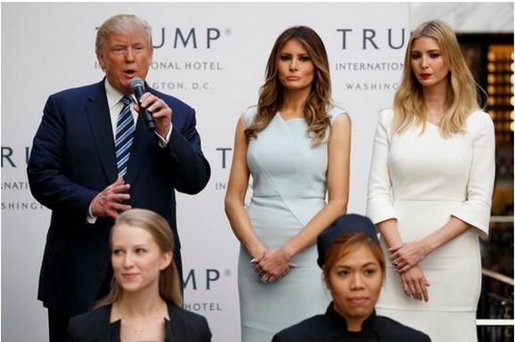 Donald Tramp sa suprugom i ćerkom