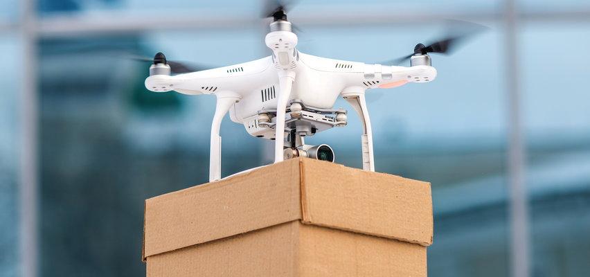Drony zastąpią pracowników sklepów? Będą latać nad głowami klientów