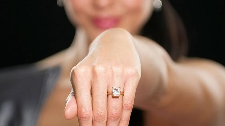 Everything you should know about buying an engagement ring