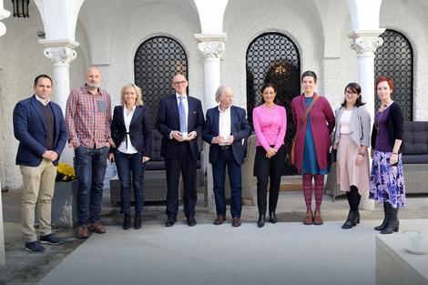 Druženje sa Luom u ambasad Norveške u organizaciji ambasadora Arnea Sanesa Bjornstada