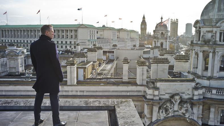 007 potrzebuje wroga w starym stylu
