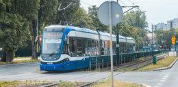 Brakuje 40 mln zł na komunikację miejską. Czy będą cięcia w kursach tramwajów i autobusów?