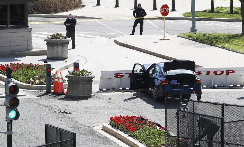 Samochód wjechał w barykadę przy Kapitolu!