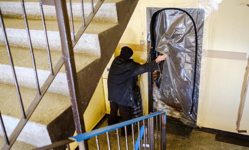 Uciążliwa lokatorka gromadzi śmieci w mieszkaniu
