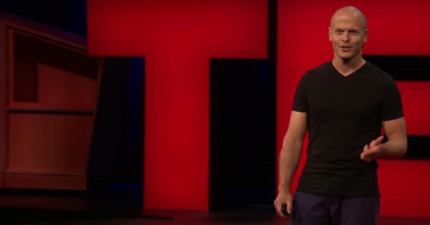 """Tim Ferriss jest przedsiębiorcą i autorem """"4-godzinnego tygodnia pracy"""""""