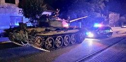 Pijany jeździł czołgiem po Pajęcznie. Mieszkańcy w szoku