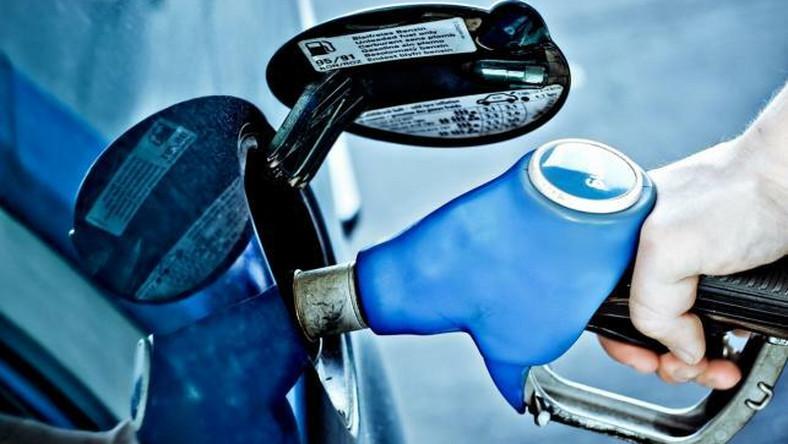 Stacje paliw skarżą się na fiskusa i rafinerie