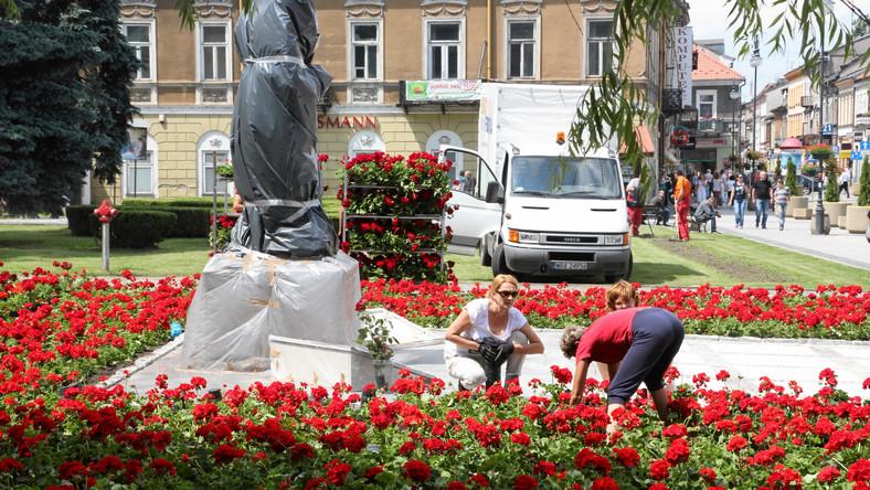 Odsłonięcie pomnika Marii i Lecha Kaczyńskich