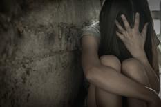 """""""Prekini da snimaš, ovo je SILOVANJE"""": Četiri muškarca su zlostavljali devojku (19) dok je ona plakala na parkingu noćnog kluba"""