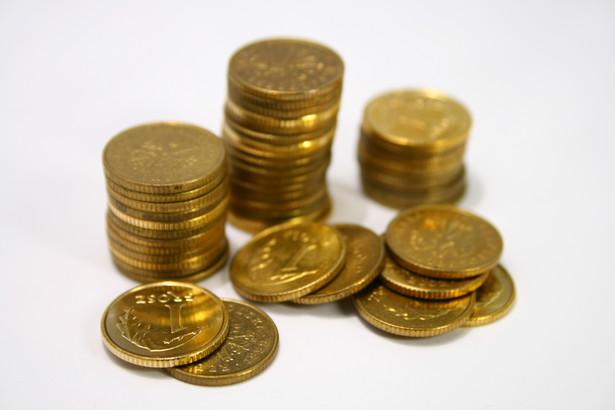 Rząd i pracodawcy są zdania, że wzrost wynagrodzeń powinien wynieść 3,9 proc., na co składa się 2,9 proc. przewidywanej inflacji i dodatkowo jeden punkt procentowy.