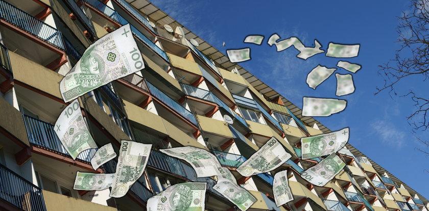 Pokłóciła się z mężem, więc rozrzuciła przez balkon 200 tys. zł jego oszczędności. Banknoty fruwały po całym osiedlu