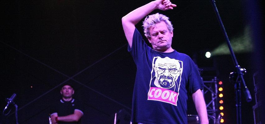"""Kult opublikował singiel """"Wiara"""". Fani przebąkują, że to ostatnia płyta zespołu. Komentarz Kazika"""