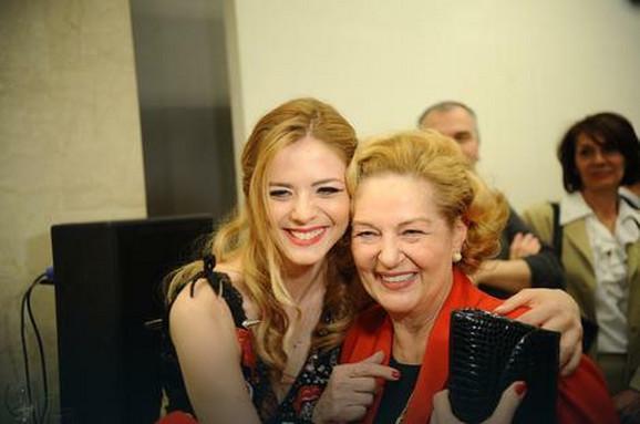 Beba Lončar i Nina Janković