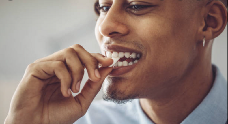 Why chew gum before sex? Here's why it's a bad habit