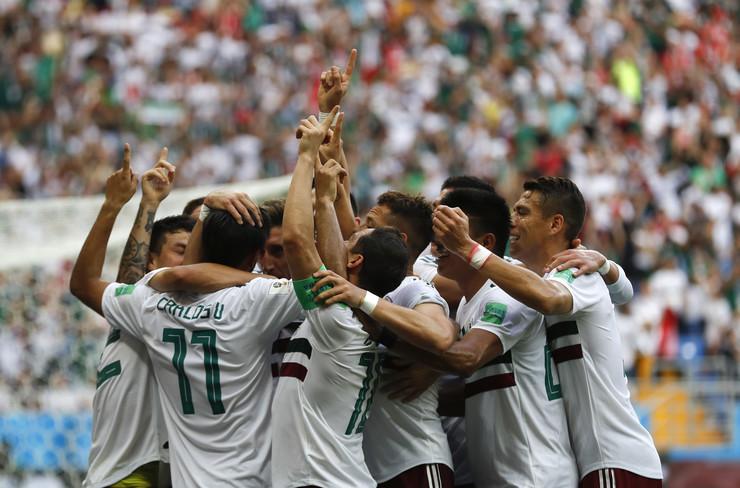 Fudbalska reprezentacija Južne Koreje, Fudbalska reprezentacija Meksika
