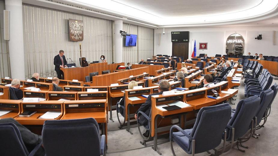 Trzeci dzień posiedzenia wyższej Izby Parlamentu w Warszawie