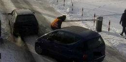 Wypadek w Bełchatowie. Potrącił parkingowego