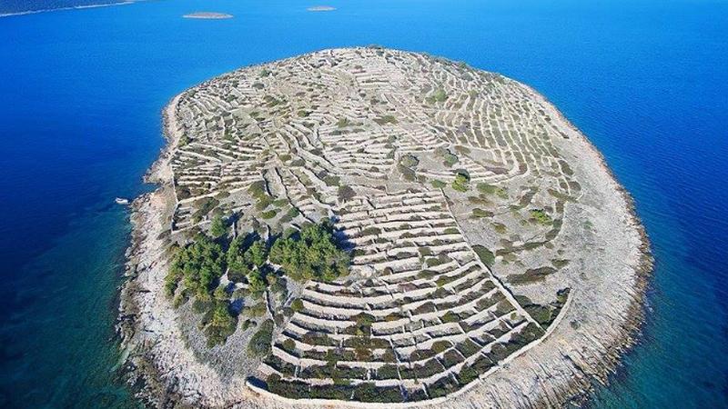 Chorwacka wyspa w kształcie odcisku palca