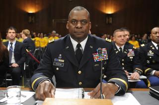 Zbrojeniowe interesy kandydata na szefa Pentagonu