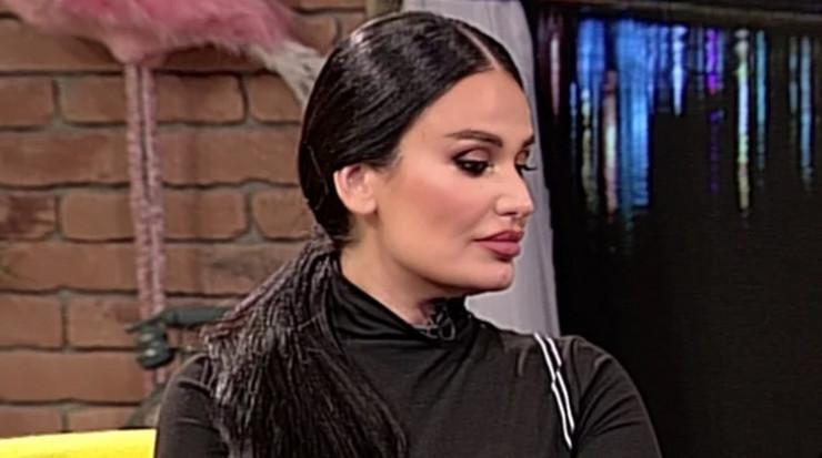 Indira Aradinović Indi