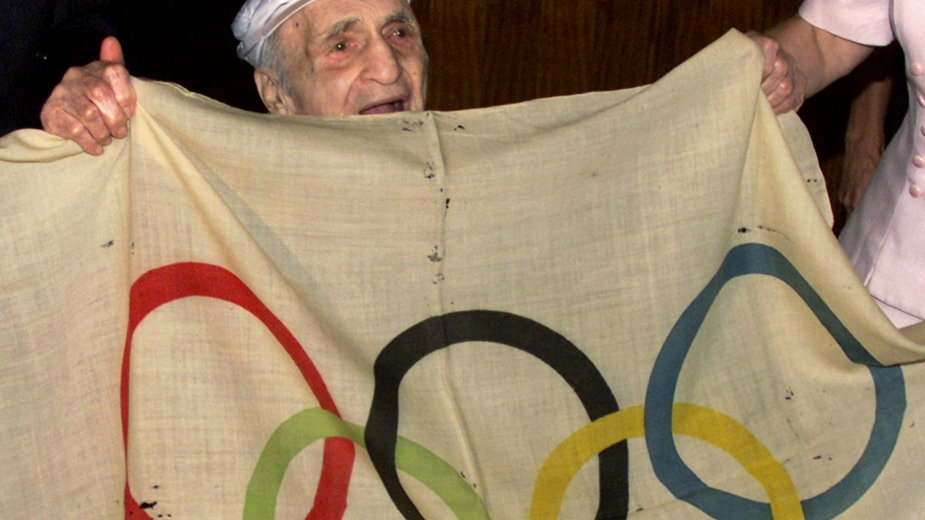 Hal Prieste zwrócił skradzioną flagę po 80 latach