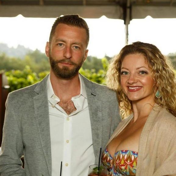 J.R. Storment sa suprugom Džesokom Brendiz