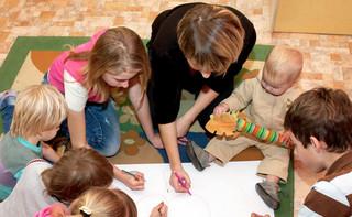 Pomoc dla rodzin: Szybka ścieżka pełna wątpliwości