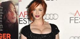 Aktorka z piersiami większymi od głowy! FOTO