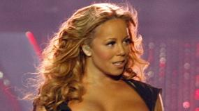 """Mariah Carey kusi rekiny jędrnym biustem. """"Spokojnie, są delikatne"""""""
