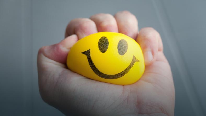 Szczęście można jedynie uchwycić kątem oka, a nie spojrzeć mu prosto w twarz