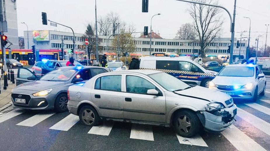 Warszawa: Pościg ulicami stolicy. Policjanci użyli broni