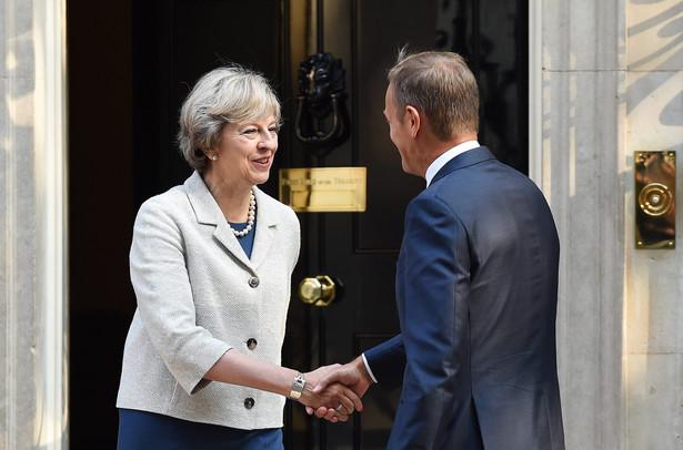 Theresa May wita Donalda Tuska