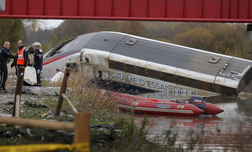 Maszynista wykolejonego TGV zapewnia, że to nie nadmierna prędkość była przyczyną wypadku