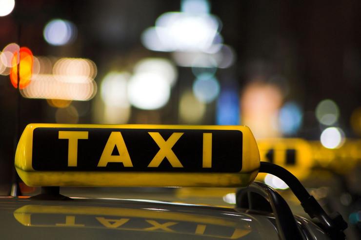 242789_taksi-foto--public-dreamstime
