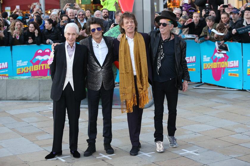 """Charlie Watts z członkami """"The Rolling Stones"""""""