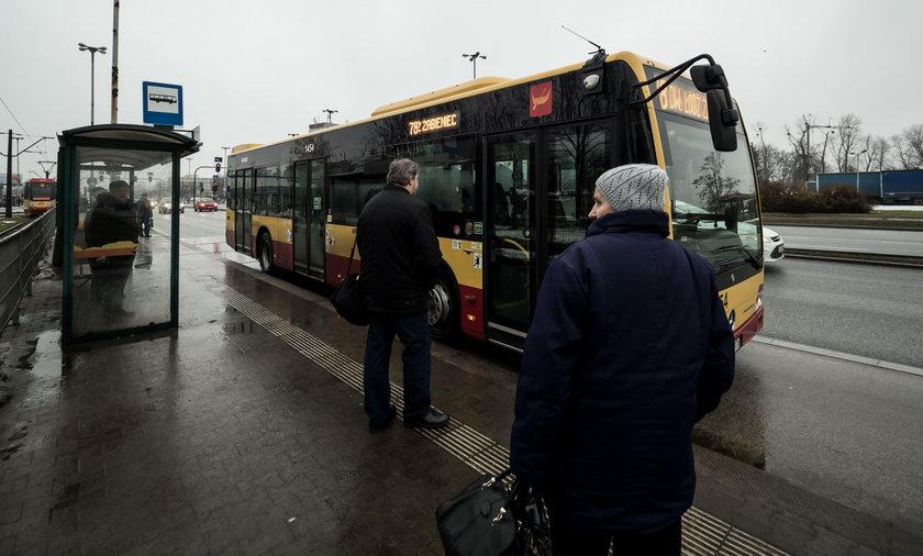 Rozkład jazdy zmieniony. Pasażerowie MPK w Łodzi nie mają czym dojechać do domu