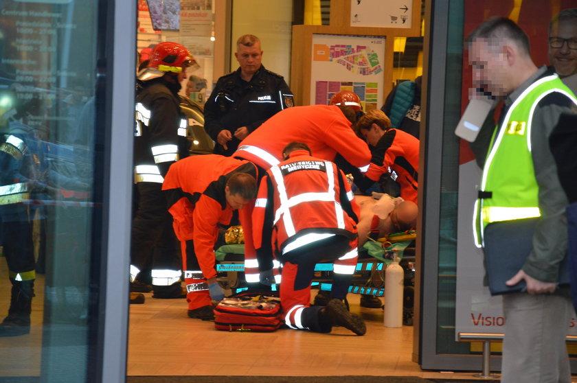 Stalowa Wola. Atak nożownika w galerii. Jedna osoba nie żyje. Dziewięć osób rannych