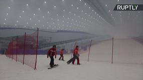 W Chinach otwarto największy kryty stok narciarski na świecie
