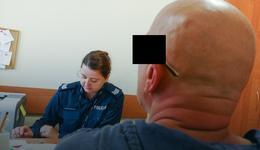 Mężczyzna, który obnażał się przed kobietami zatrzymany przez policję