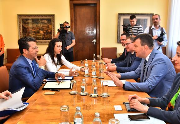 Predsednik Vlade Vojvodine Igor Mirović i šef Misije OEBS-a Andrea Oracio